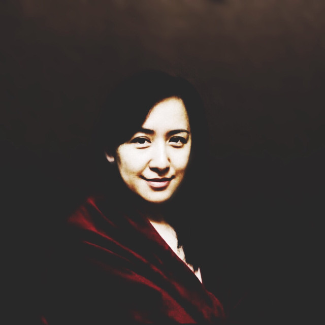 #mother #oilstyle #caravaggio #red #portrait #Xinjiang #Uygur #background #brown #contrast  Hey mum!