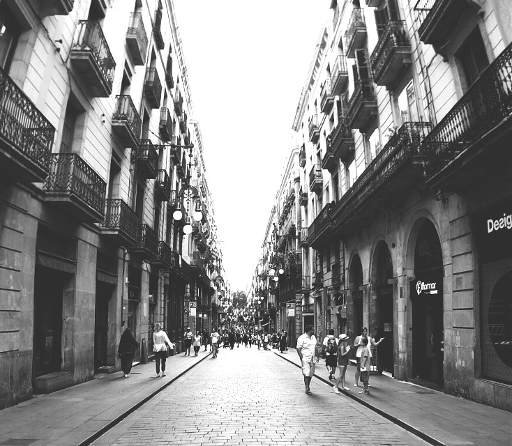 Barcelona #blackandwhite #people #photography #summer #travel