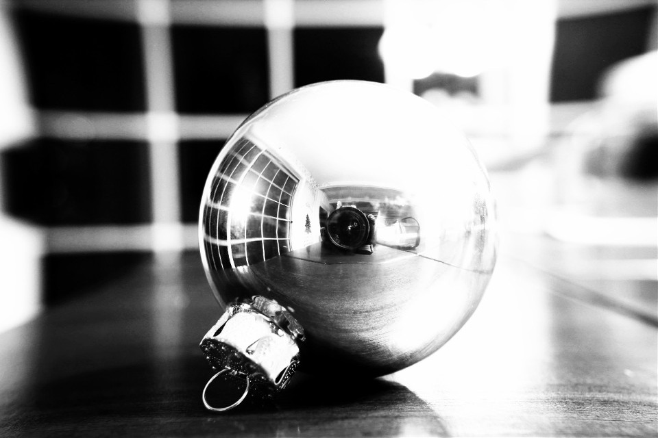 #trippyliiiiifeee #art #flareeffect #christmas #ball #reflect #blackand white