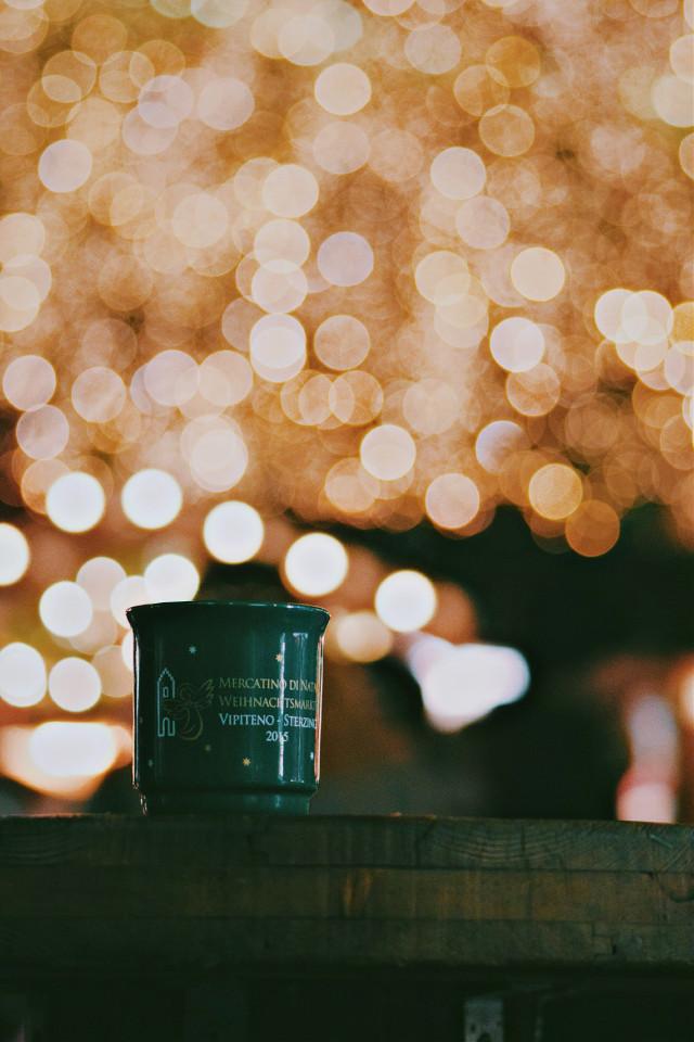 BOKEEEH✨🙌  #christmasmarket#bokeh#bokehlicious#hdr#colorful#mug#winter#2016#glühwein