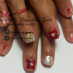 nails delicatenails ombrenails foiltechniquenails goldandsilverfoil