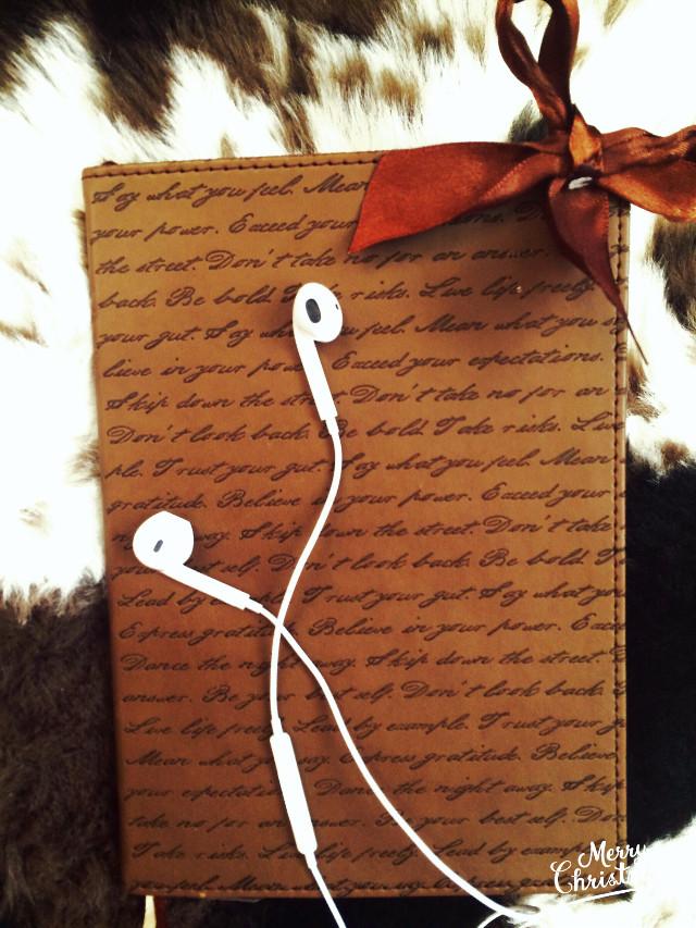 #read #interesting #music #tea #hottea #love #brown #amazing #vscocam #vsco #photography #book #likeread #sun