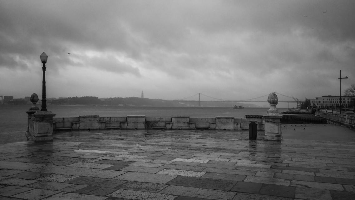 Dark Lisbon...