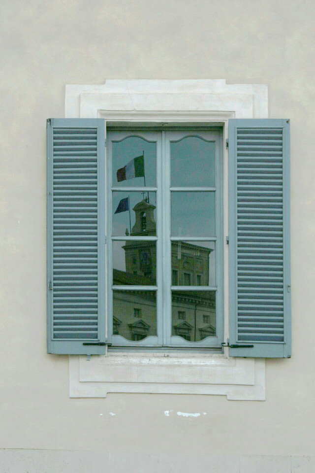 Quirinale  #window  #street #streetphotography  #photography #travel #urban #life #City  #citylife