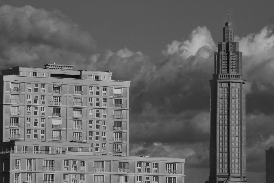 I've reached +6K followers ! Wow !! Thank you so much guys !! I ♥ You !!! You are the best ! :D #architecture #clouds #blackandwhite