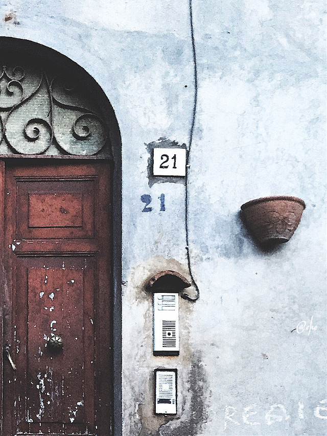 #FreeToEdit #minimal #photography #paphotochallenge #travel #ancient #numbers
